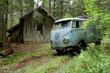 Man Finds Abandoned VW Bus, Calls Friends. Adventure Ensues.