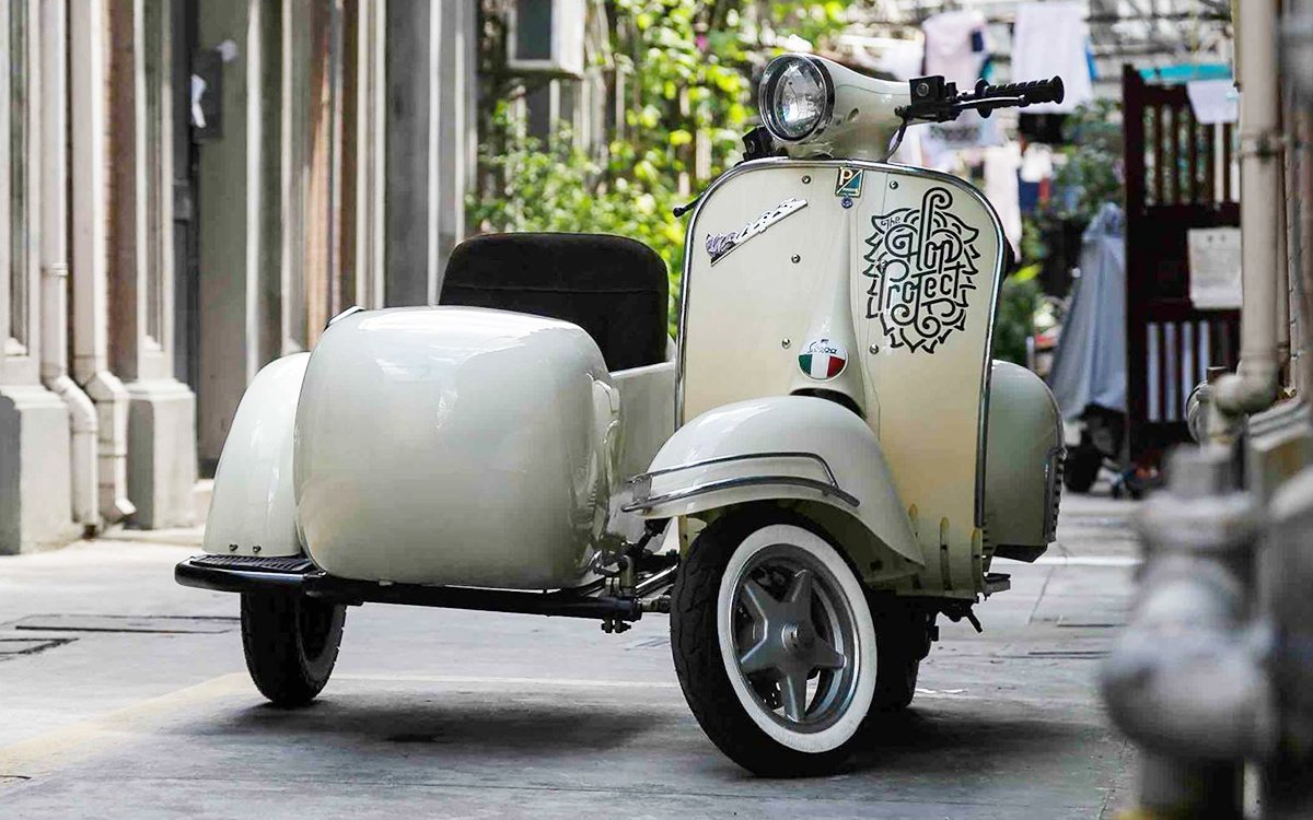 This Sidecar Comes With One Helluva Fancy Scooter