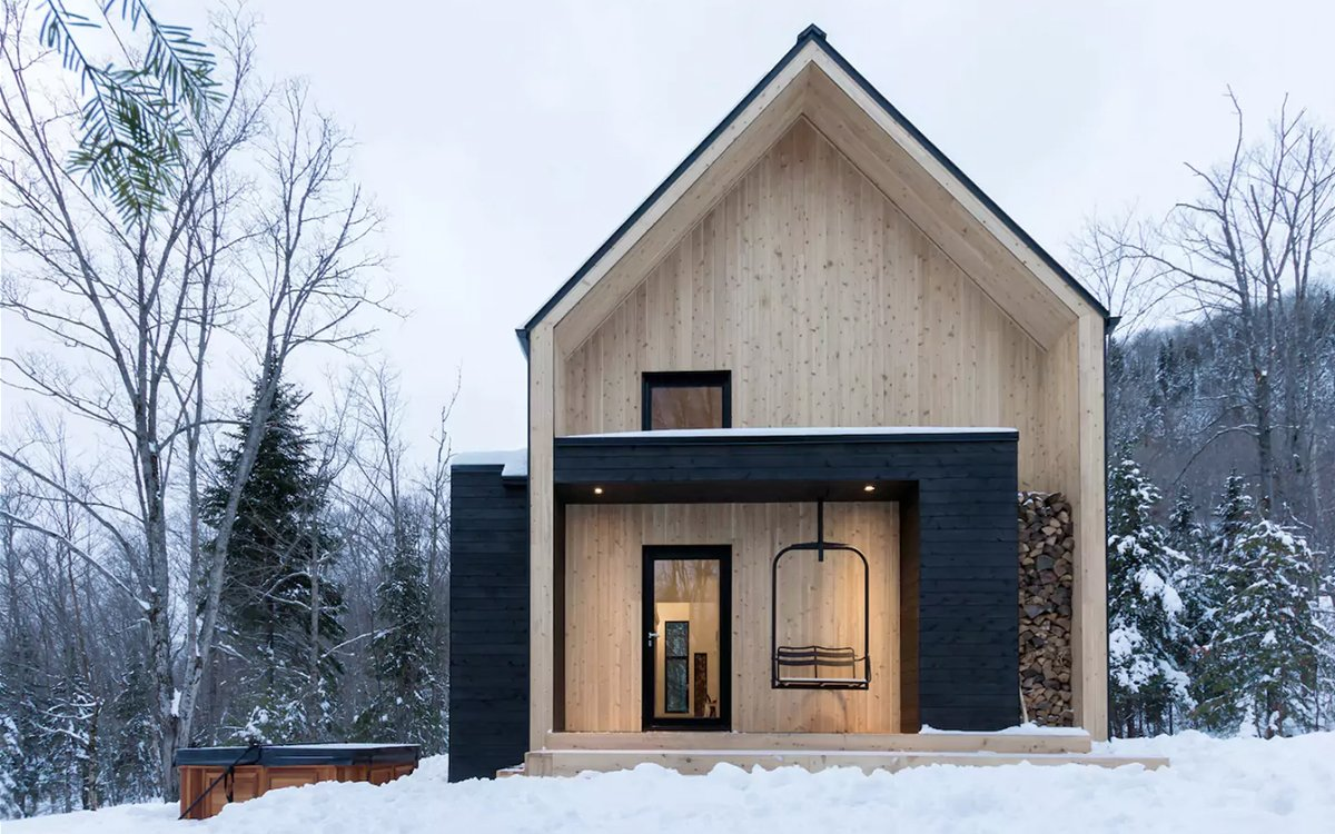 We Found Your Next Winter Rental. It Has a Lift Chair on the Porch.