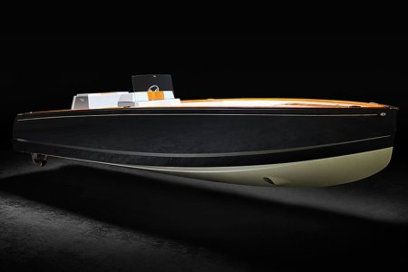 The First All-Electric Yacht Is a Silent Lake Weekend Killer