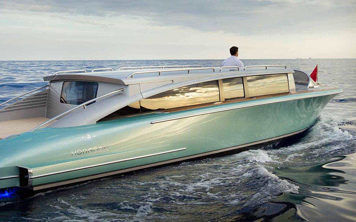 This Sexy $1.5 Million Speedboat Looks Like a '57 Chevy