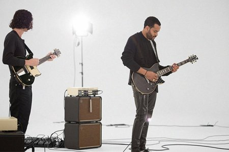 Watch These Complete Strangers Improvise a Beautiful Song Together