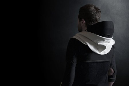 Someone Made a Virtual Reality Hoodie Because Obviously