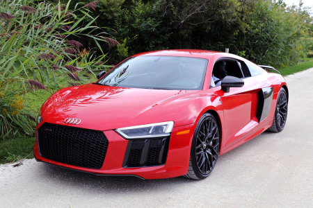 Why We Love the 2019 Audi R8, the World's Subtlest Supercar