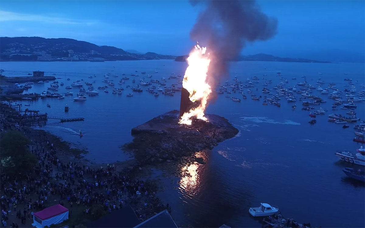 Here Is the Tallest Bonfire Ever Built, in All Its Blazing Glory