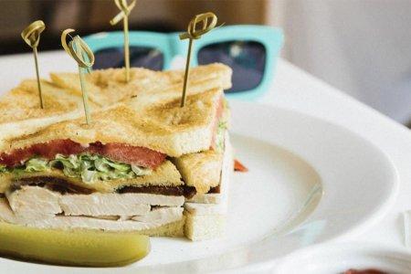 Book of Sandwich, Vol. IX: The Club