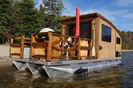 Amphibious Tiny Home Frankly Doesn't Give a Damn Where You Park It