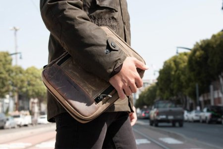 The Tech Folio Is an Everyday Carry-All for 21st-Century Commuters