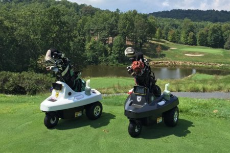 Can We Get a Ruling on This Robotic Club Caddie?