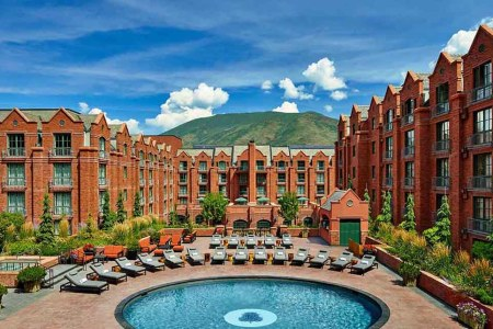This (Free!) Members Club Gets You Wholesale Rates at Luxury Hotels
