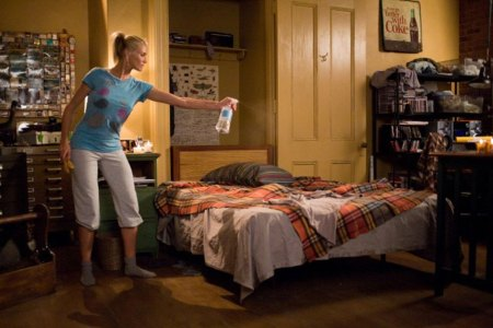 Seven Things in Your Apartment Any Reasonable Woman Will Judge You On