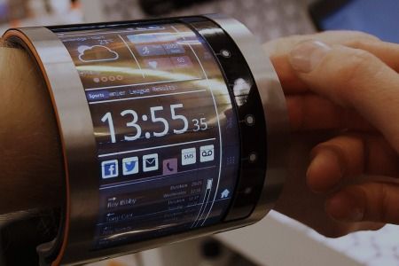 Wearable Smartscreen Is the Most 1984 Piece of Tech You've Seen