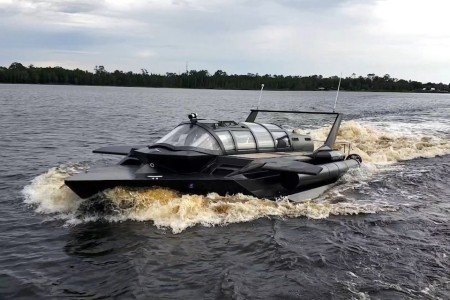 Wait Until Your Fellow Boaters See You in a Speedboat-Submarine Hybrid