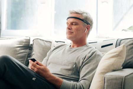 Can't Meditate? Try This Headband That Reads Your Mind.