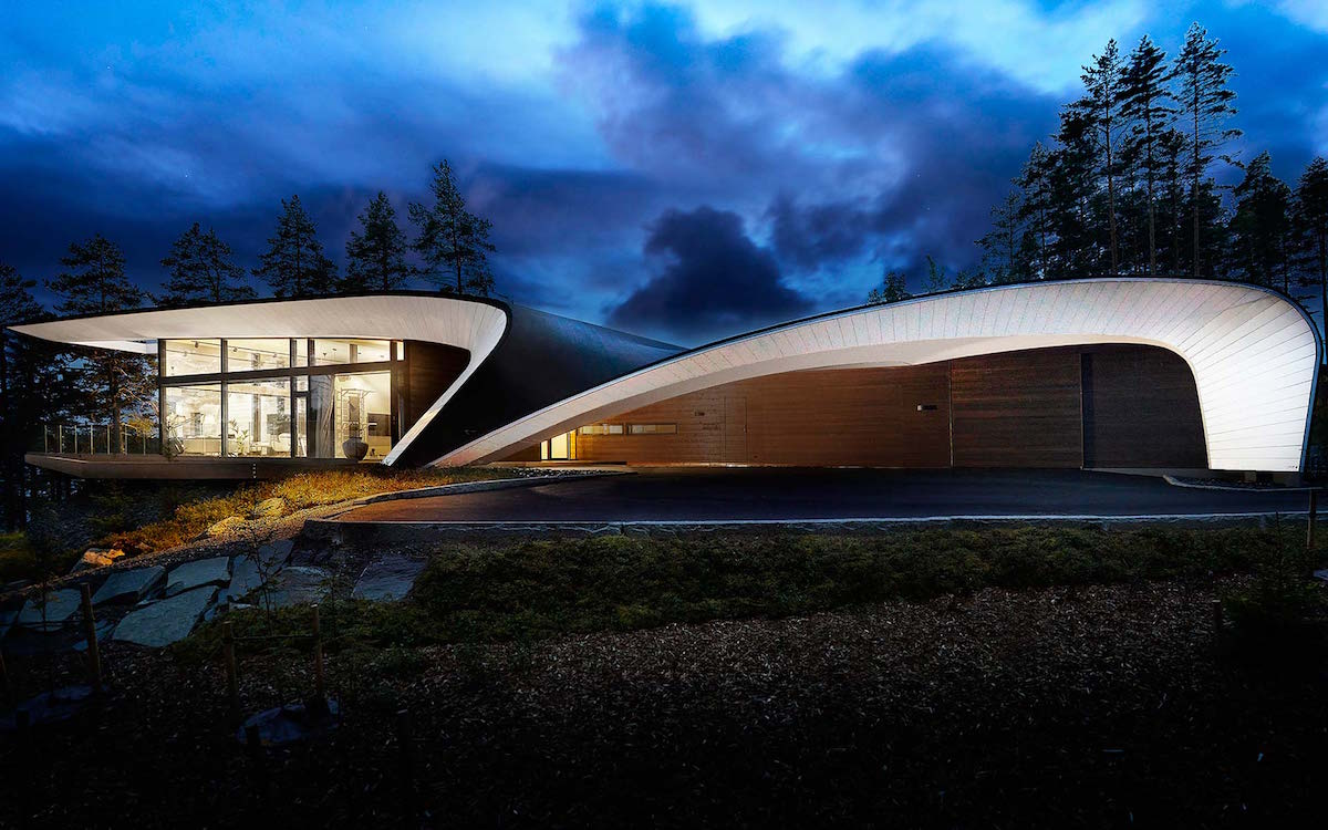 If the Jetsons Had a Log Cabin, It'd Look Like This