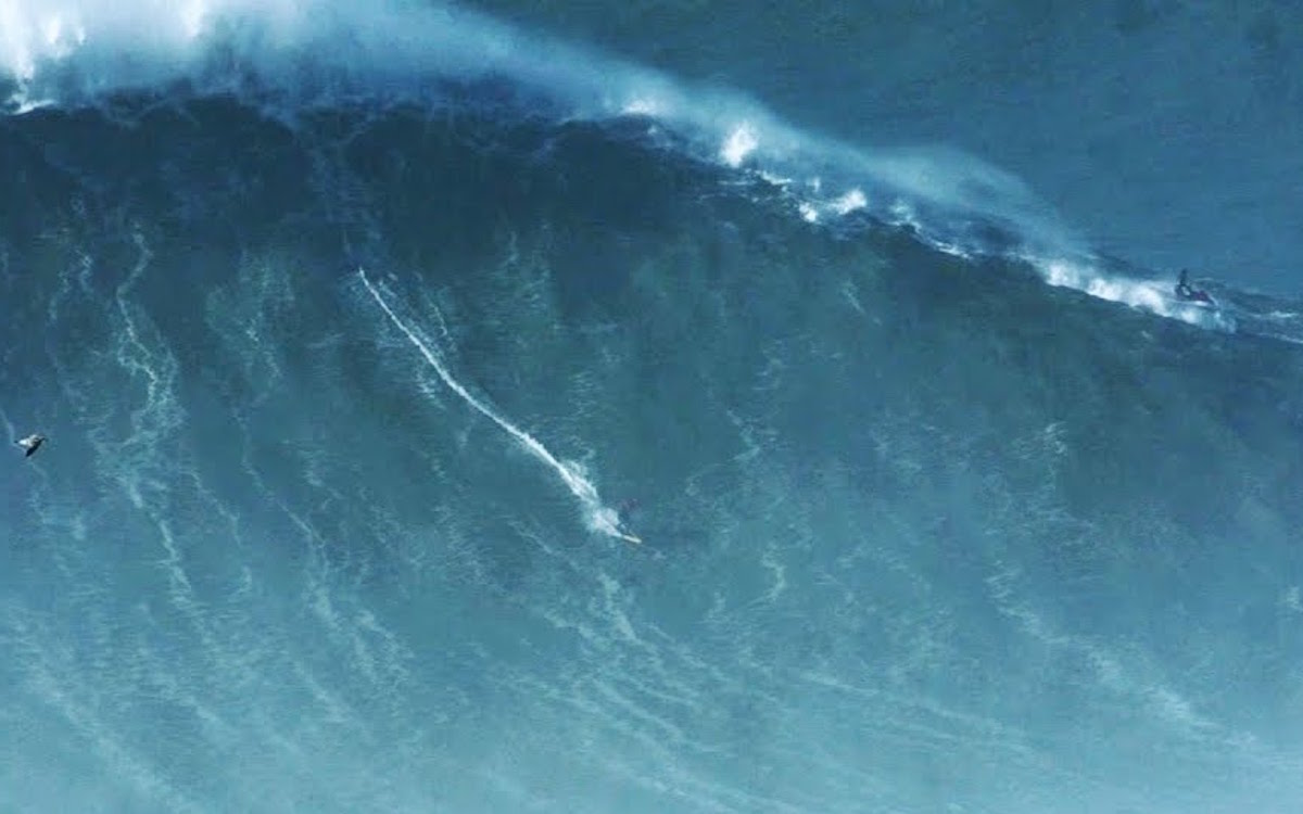 Watch Lunatic/Legend Rodrigo Koxa Ride a Record-Breaking 80-Foot Wave