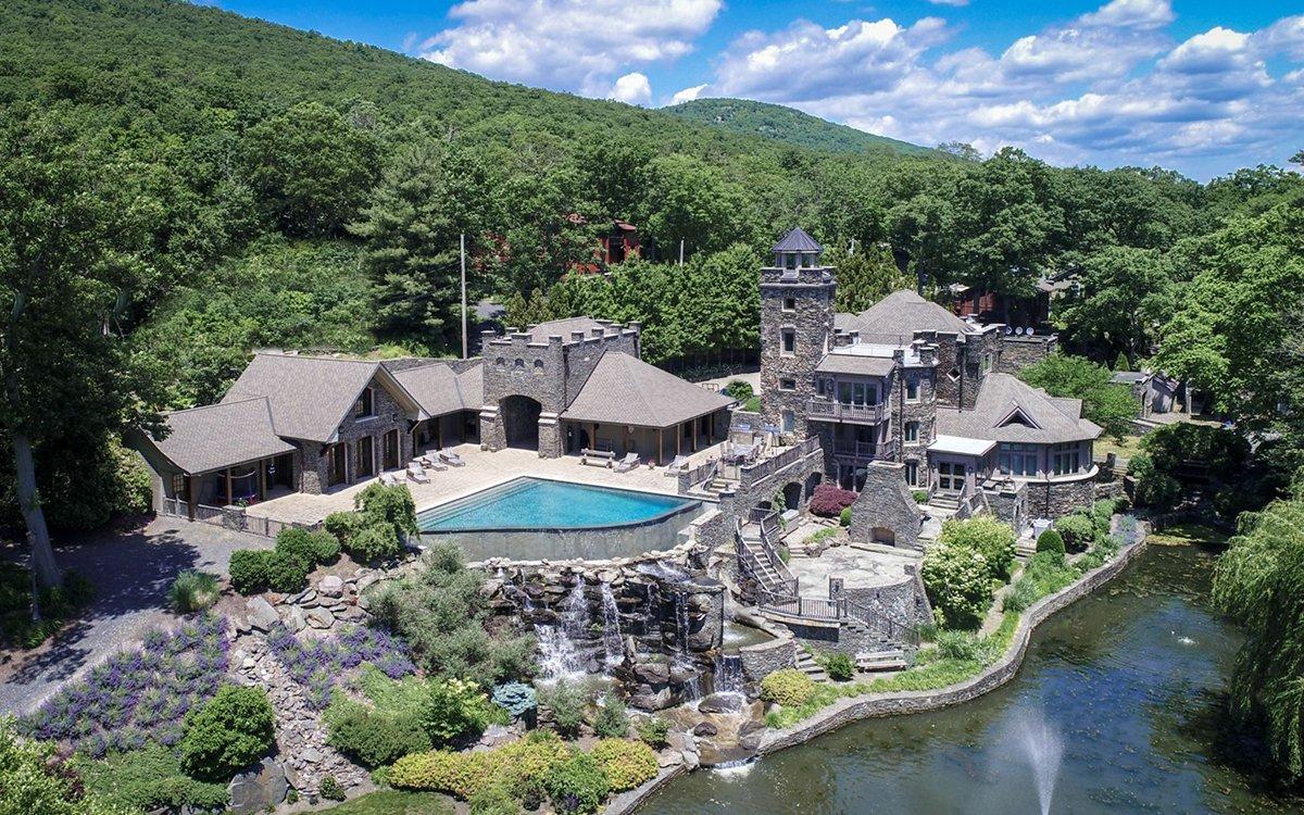 For Sale: Derek Jeter's Massive, Turreted Upstate Castle