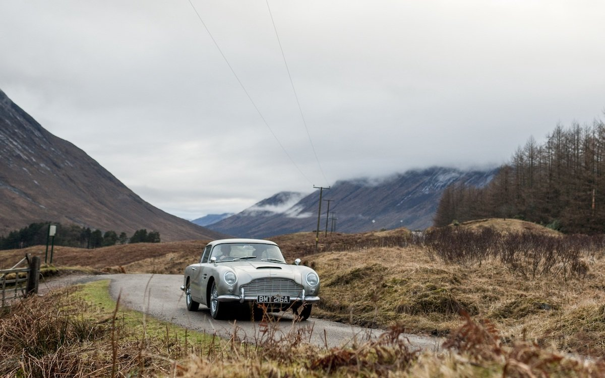 Aston Martin Is Building 28 'Goldfinger' DB5s, Gadgets Included