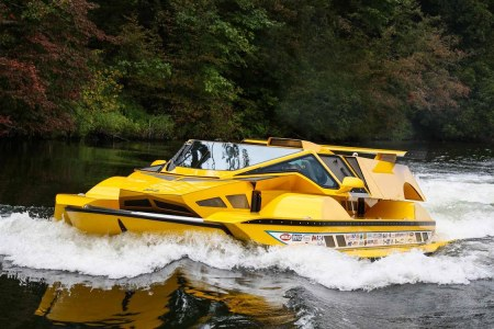 The HydroCar Is a 2-in-1 Hot Rod/Speedboat in Corvette Yellow