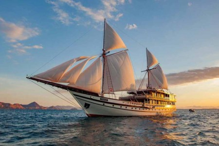 This Sailboat-Yacht Hybrid Is the Best Way to Island-Hop Indonesia