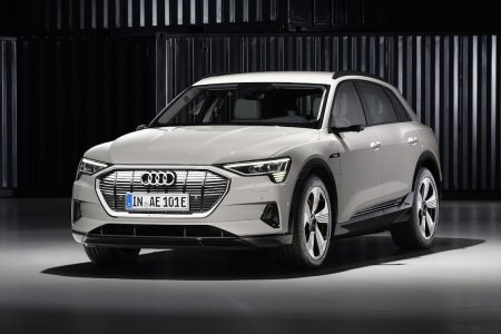 Audi's E-tron Is a Powerful E-SUV Without the Tryhard Alien Aesthetic