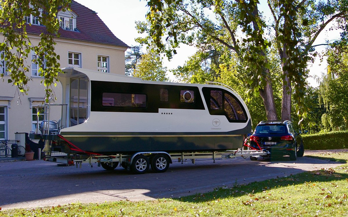Need an RV That Can Go Anywhere? Try the Amphibious Caravanboat.