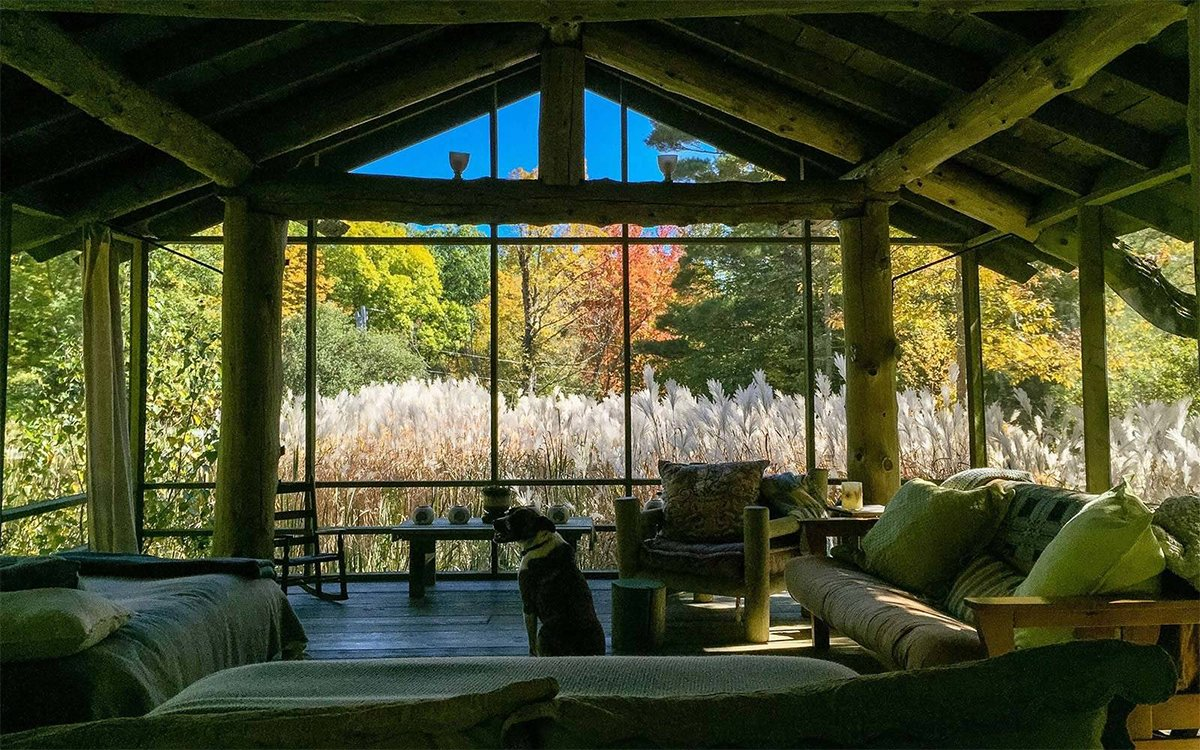 8 Great Airbnbs for Watching the Leaves Change this Autumn