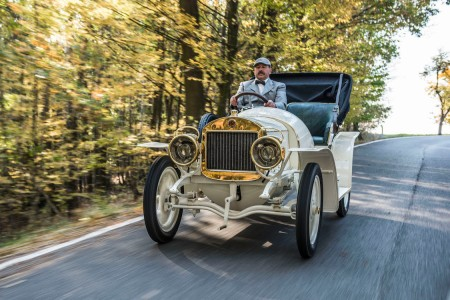 Volkswagen-Owned Škoda Restored a 110-Year-Old Sports Car, and We Want It