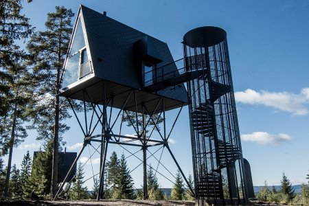 These Norwegian Cabins Sit 25 Feet in the Air, Look Cozy as Hell