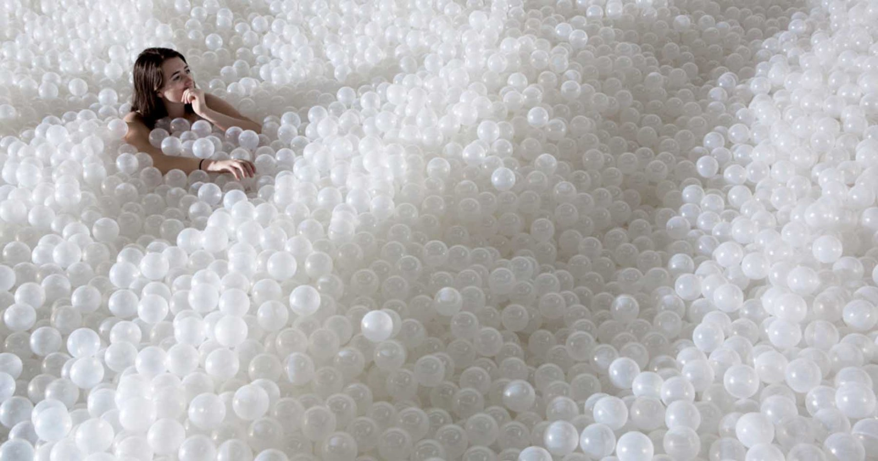 This Date Plan Involves a Million-Ball Ball Pit, and Other Jovial Things