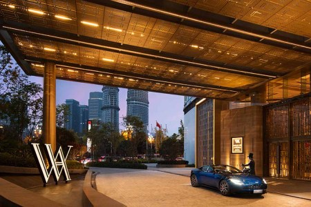 Why Luxury Hotels Should Keep Fleets of Luxury Cars