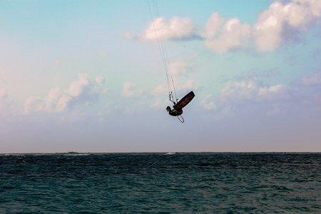 Kitesurfing Is Way Harder Than Barack Obama Makes It Seem