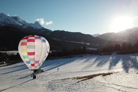 French Startup to Sell Personal Hot-Air Balloons You Can Literally Fly Home