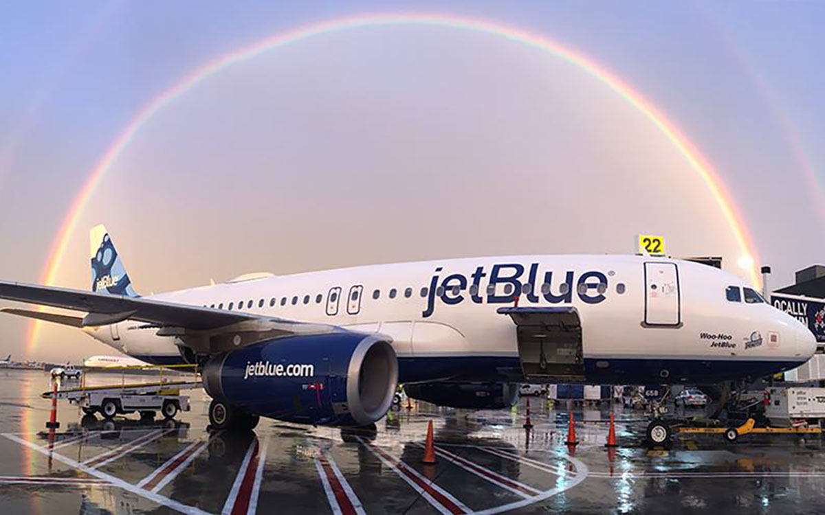 """JetBlue Announces """"Deal of the Year"""" in Bid to Steal All of Virgin's Passengers"""