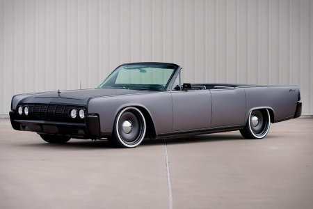 Confession: We Are Madly in Love With This Lincoln Continental