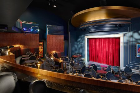The Chicago Magic Lounge Has Date Night Written All Over It