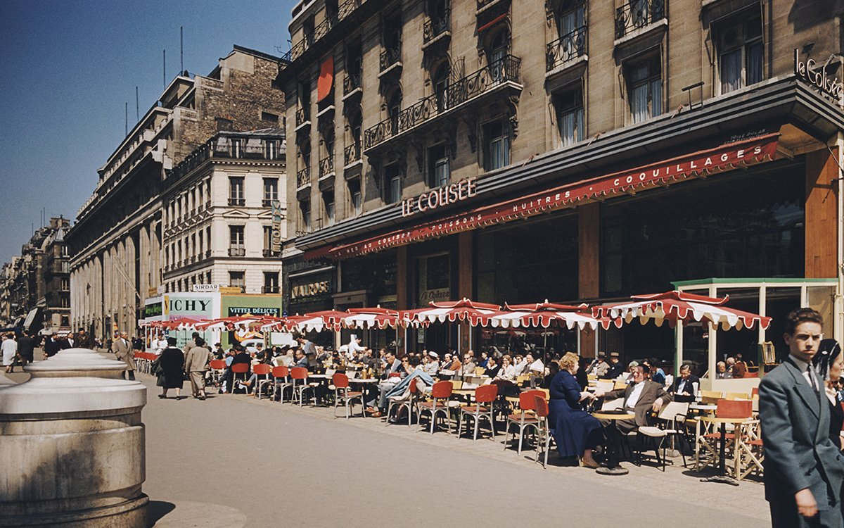 The 12 Best Spots in Paris, According to a Cool Lady Who Lives There