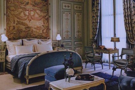 Sacrebleu! The Ritz Paris Is Auctioning Off 10,000 Pieces of Furniture.