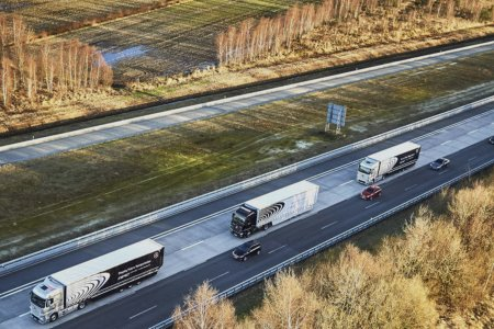 Self-Driving Mercedes Big Rigs Promise Increased Safety, Reduced Fuel
