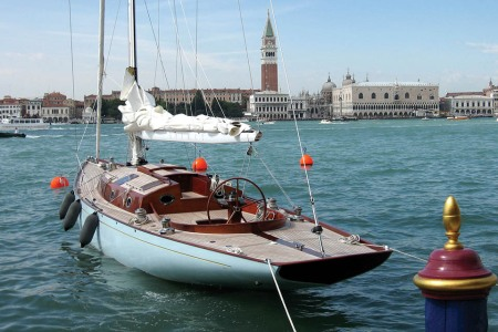 """Count Your Moneypennies: Bond's """"Casino Royale"""" Yacht Up for Sale"""