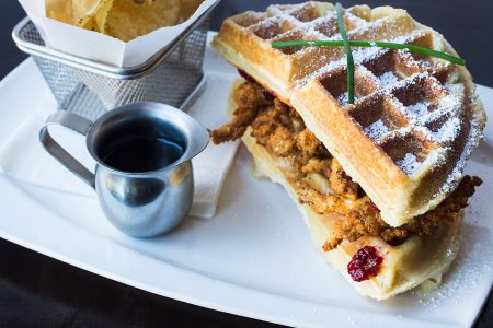 5 Superior Outdoor Brunches by the Bay. Happy Summer.