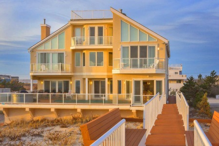 The Summer Rental Guide