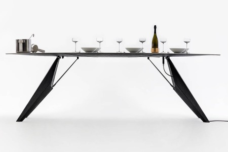 Magical Dinner Table Keeps Your Food Warm, Drinks Cold