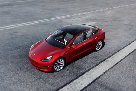 The Pros and Cons of Buying the New $31K Tesla Model 3