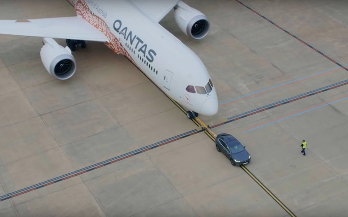The Tesla Model X Can Tow a 145-Ton Dreamliner, Which Is Absurd