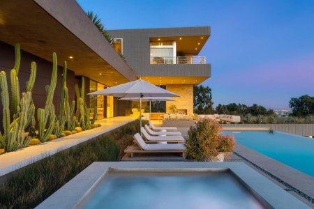 How to Score a Deal on LA's Priciest Homes