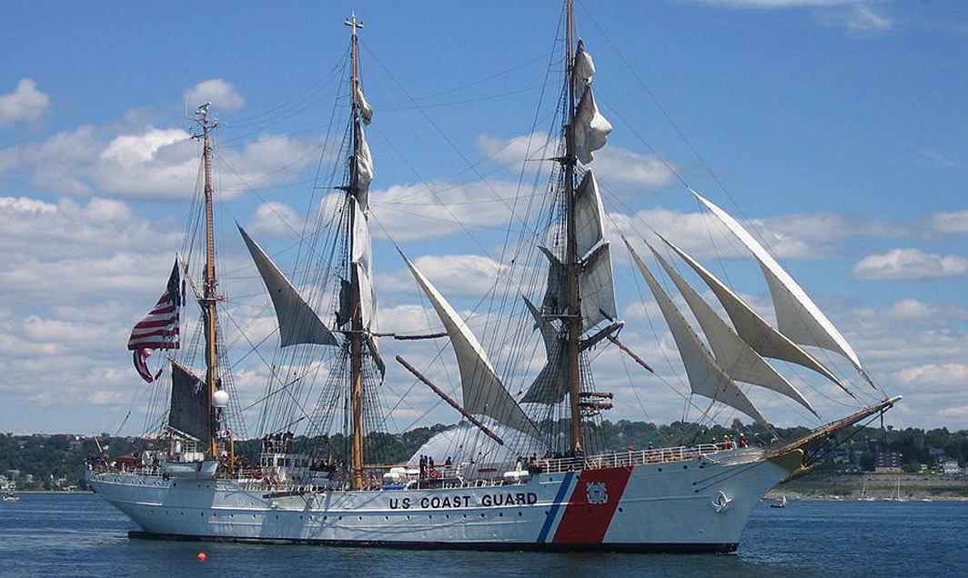 bateaux new york fleet week