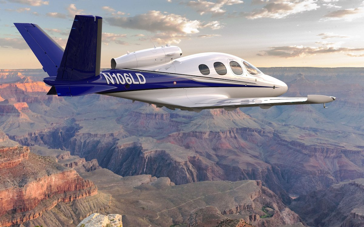 Fly a Plane Over the Grand Canyon - InsideHook
