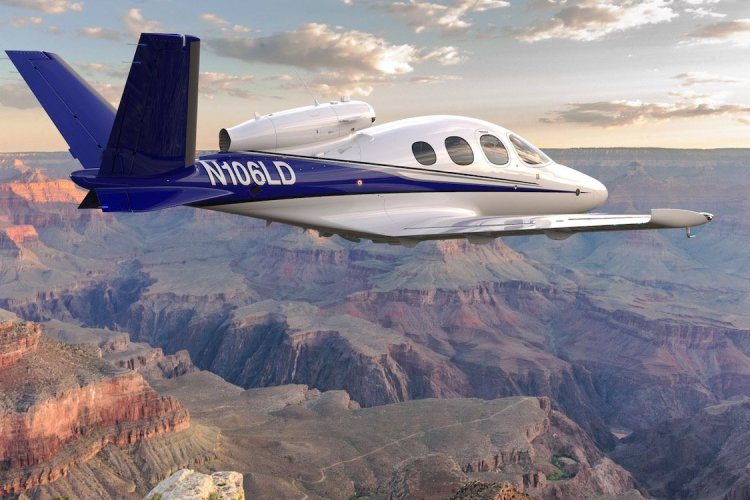 Celebrate the Grand Canyon's 100th by Flying Over It in a Personal Jet
