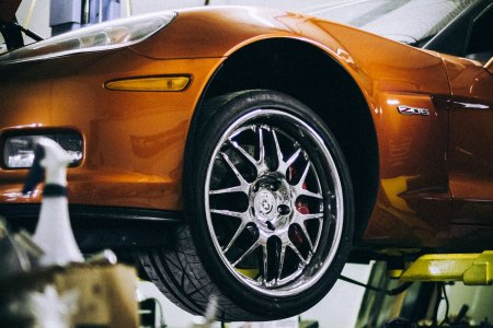 Tires: The number one practical car mod recommended by the pros. (Zell on Unsplash)